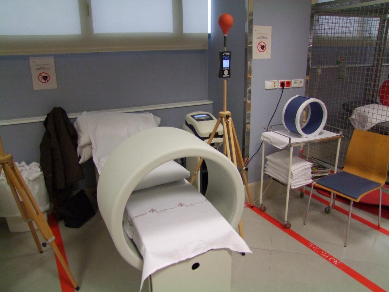 Identificación y valoración de emisiones de campos electromagnéticos en hospitales