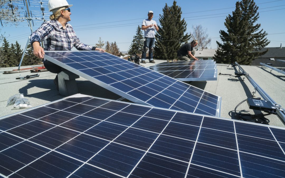 Riesgos laborales y drones en instalaciones de energía solar